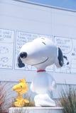 Museu Snoopy no Tóquio Japão o 30 de março de 2017 | Cão feliz do modelo bonito dos desenhos animados Foto de Stock Royalty Free