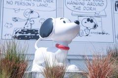 Museu Snoopy no Tóquio Japão o 30 de março de 2017 | Cão feliz do modelo bonito dos desenhos animados Fotografia de Stock Royalty Free