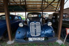 Museum av retro bilar: Opel toppna 6 royaltyfri foto
