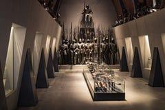 Museum des Poldis Pezzoli adelt ` Hall mit Proben von mittelalterlichen Waffen und von Munition Lizenzfreies Stockbild