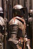 Museum des Poldis Pezzoli adelt ` Hall mit Proben von mittelalterlichen Waffen und von Munition Lizenzfreie Stockbilder