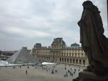 Museum Du Louvre, Paris, Frankrike Arkivbilder