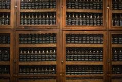 Museum - förvaringsrum av dyrt tappningvin Madera Royaltyfri Bild