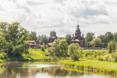 Museum van houten architectuur in Suzdal, Rusland Gouden Ring van Rusland royalty-vrije stock fotografie