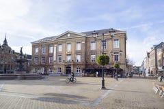 Museum in vroeger oud stadhuis in centrum van Nederlandse stad gorinchem royalty-vrije stock fotografie