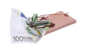 Musfälla med sedeln för euro 100 Arkivbilder