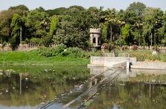 在河Musi,海得拉巴的测流堰 免版税库存图片