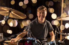 Male musician playing drum kit at concert Royalty Free Stock Photos