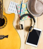 Music Technology equipment on wooden table Royalty Free Stock Photos