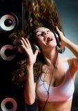 Musica d'ascolto fotografia stock libera da diritti