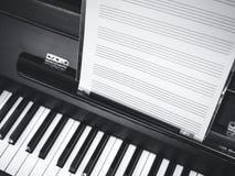 Musica del classico dello strato di musica della tastiera di piano Fotografia Stock