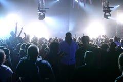 Musica in diretta e la gente Fotografie Stock Libere da Diritti