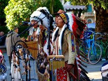 Musica indiana del gioco del gruppo dell'nativo americano Fotografia Stock