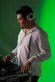 Musica mescolantesi del DJ Fotografie Stock Libere da Diritti