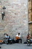 Musican grupp i gamla Barcelona Arkivbilder