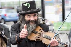 Musican und Puppenspieler, Irland Stockbild