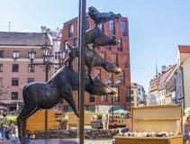musici beroemd monument de achtergrond van Bremen in Riga stock foto's