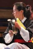 Musicien coréen joueur de kkwaenggwari images libres de droits