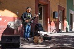 Musicien de rue à Saltillo Mexique image stock