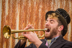 Musicien gitan de trompette photographie stock