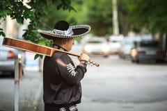 Musicien mexicain sur la rue de ville Image stock