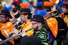 Musiciens à l'Espagnol Carnaval à Barcelone dans la soirée Images stock