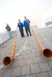 Musiciens avec les klaxons alpins Images libres de droits
