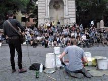 Musiciens sur une rue de Rome images libres de droits