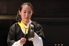 Musicista coreano giocatore di kkwaenggwari Fotografie Stock