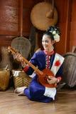 Musicista di nordest tailandese di Phutai con il equipme tradizionale di musica Fotografia Stock Libera da Diritti
