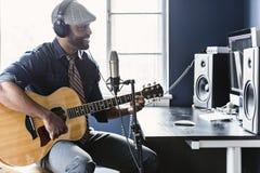 Musicista Home Recording Fotografia Stock Libera da Diritti
