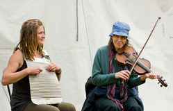 Musicisti che giocano al festival del canale Immagine Stock Libera da Diritti
