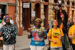 Musicisti della via ai giorni di evento del Brasile