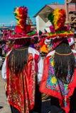 Musicisti e ballerini nelle Ande peruviane a Puno Perù immagini stock libere da diritti