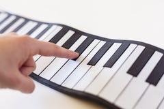 Musicologybegrepp som föreställs med det fick- pianot Arkivbild