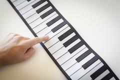 Musicologybegrepp som föreställs med det fick- pianot Arkivbilder