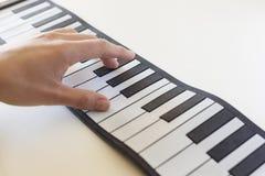 Musicologybegrepp som föreställs med det fick- pianot Arkivfoto