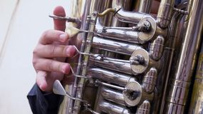 Musicus in openlucht stock footage