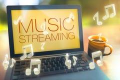 Musik, die Konzept strömt Lizenzfreie Stockfotografie