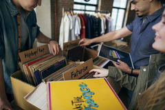 Musik för lager för vinylrekord som shoppar Oldschool klassikerbegrepp royaltyfri bild