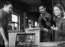 Musik för lager för vinylrekord som shoppar Oldschool klassikerbegrepp royaltyfri foto