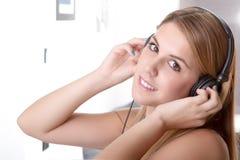 Musik i henne hem Fotografering för Bildbyråer