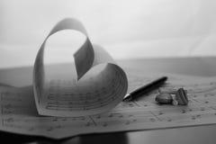 Musik-Reihe in der Form des Herzens Lizenzfreies Stockbild