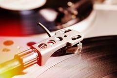 musik som leker registrerad turntablevinyl Arkivbild