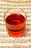 Musik u. Wein lizenzfreies stockfoto