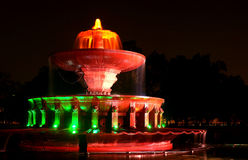 Musikalischer Wasserbrunnen, der indische Trikolore anzeigt Stockfotografie