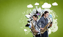Musikalisk duett text för rest för bild för com-begreppsfigurine höger plattform Arkivbilder