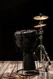 Musikaliska ett slagverksinstrument på svart bakgrund Royaltyfri Foto