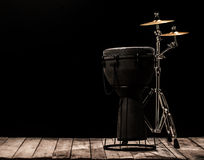 Musikaliska ett slagverksinstrument på svart bakgrund Royaltyfria Bilder