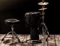 Musikaliska ett slagverksinstrument på svart bakgrund Royaltyfri Fotografi